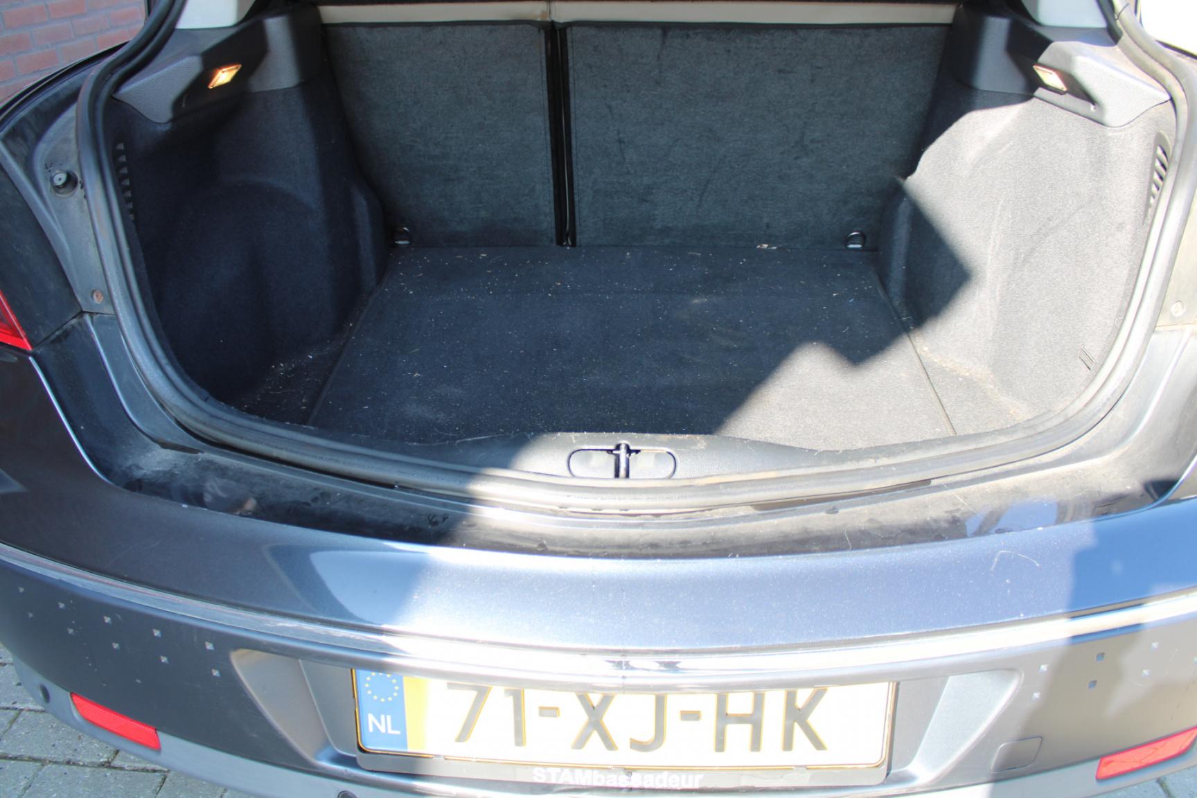 Renault-Vel Satis-26