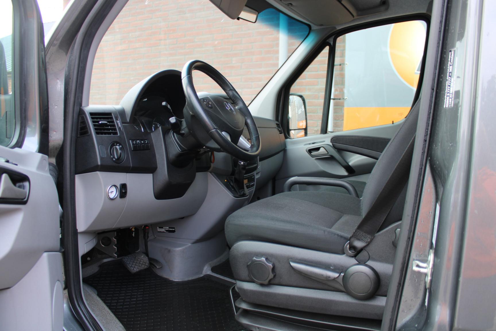 Mercedes-Benz-Sprinter-4