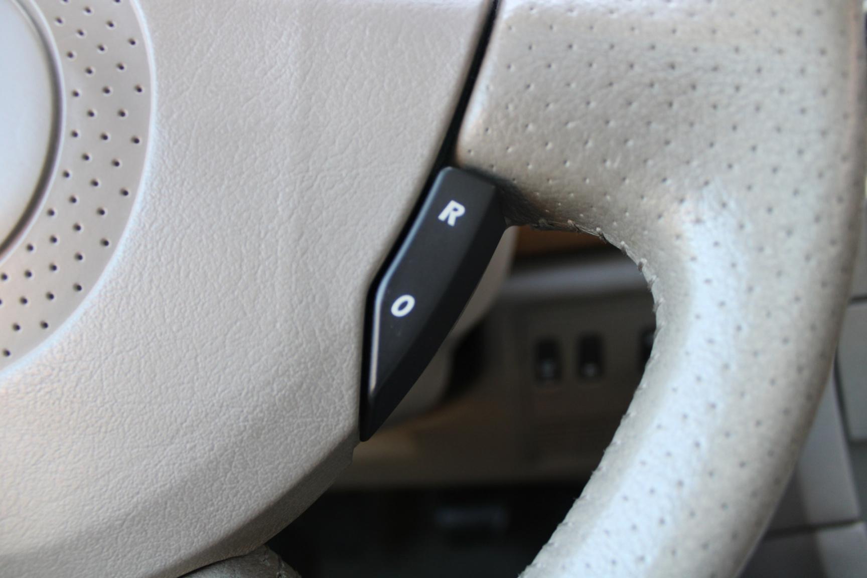 Renault-Vel Satis-18