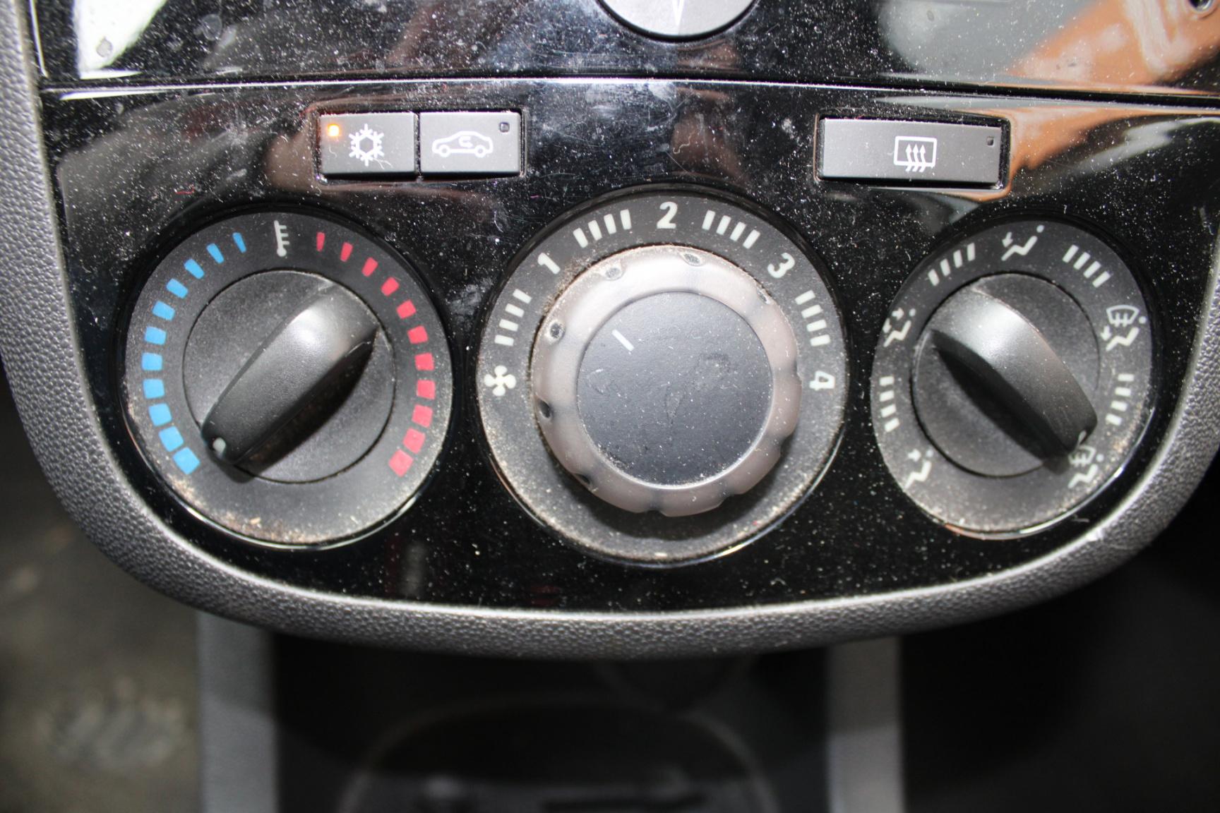 Opel-Corsa-13